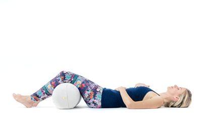 cuscino rullo yoga gambe